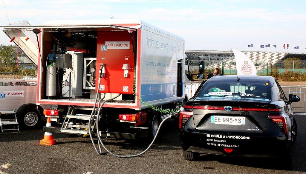 1-marsan-g-pastor-j-mco-toyota-mirai-H-B1ere-recharge-en-rallye-d-hydrogene-JL-6-1024x583